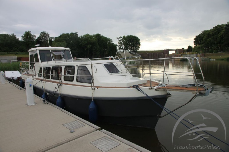 Charter Boats in Poland - River Cruiser 39, May weekend on Żuławy