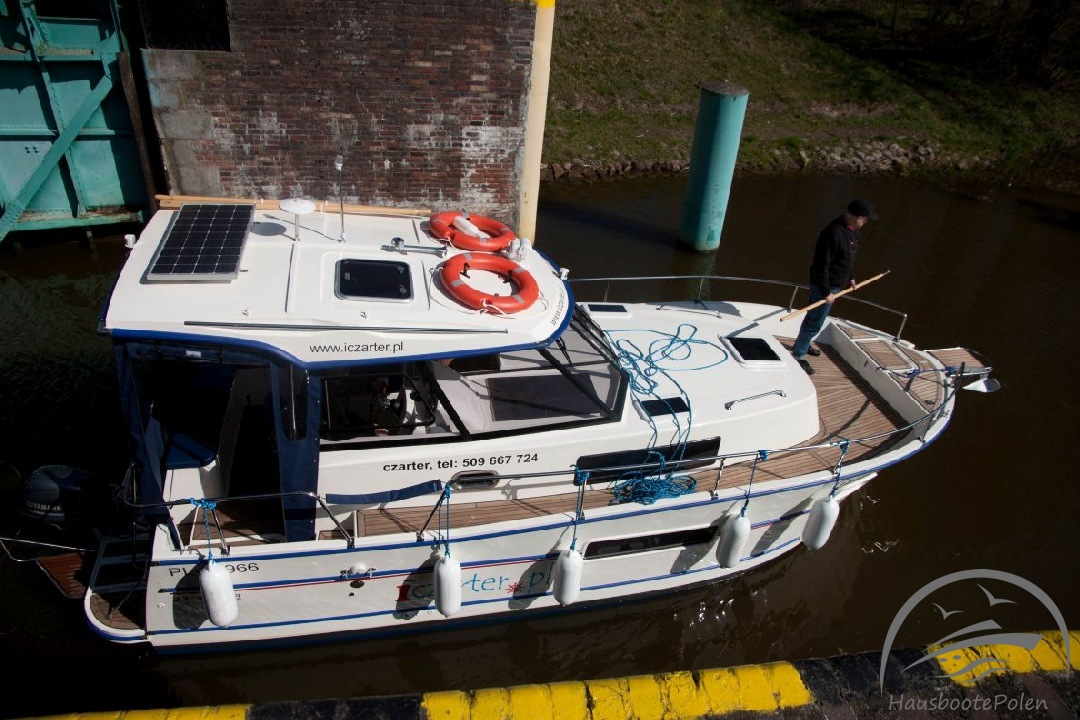 Charter Boats in Poland - Nautika 830 Luxury, May cruise on Żuławy Loop